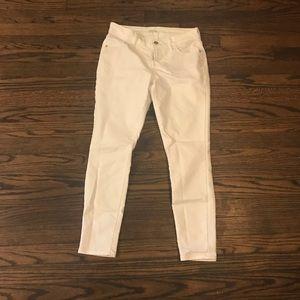 Old Navy White skinny jeans 2 petite